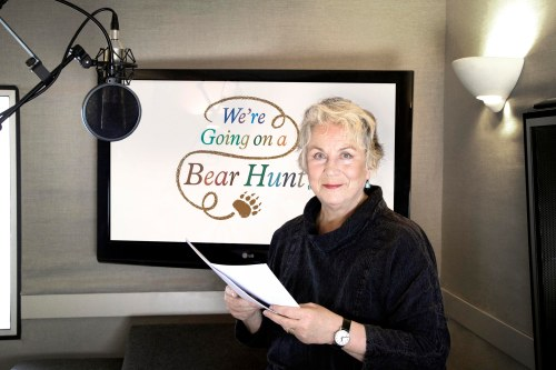 pam-ferris-bear-hunt-none_a2